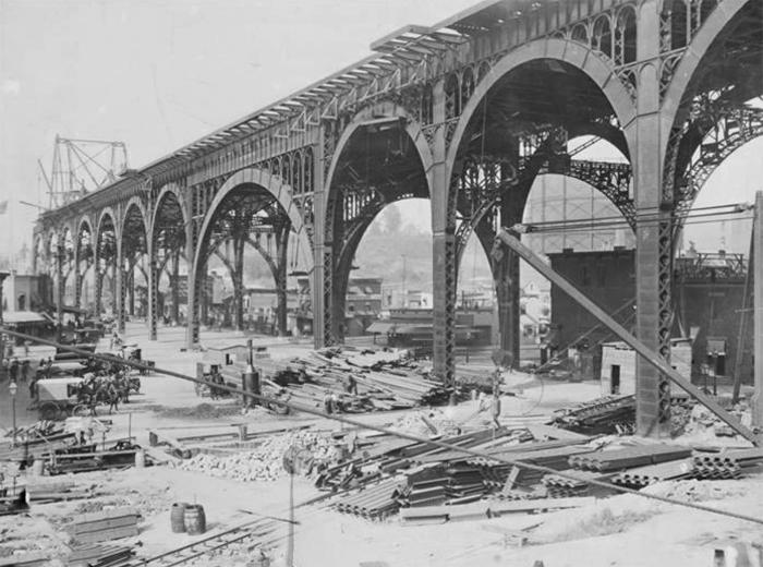 ragman-pants-viaduct built-1900