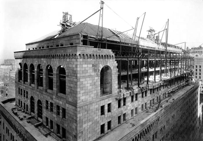 side-liberty-bankconstruction-1922