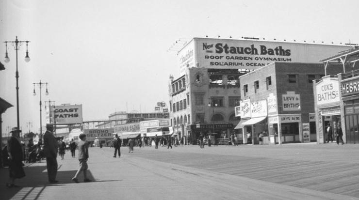 Coney Island Baths (Stauch's in FG) - circa 1930