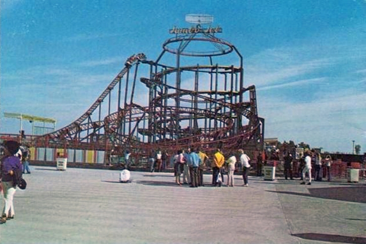 wolfen-wigwam-jumbojet-postcard1978