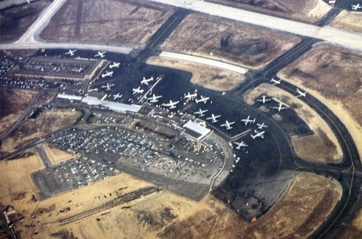 harder-airport aerial 1954